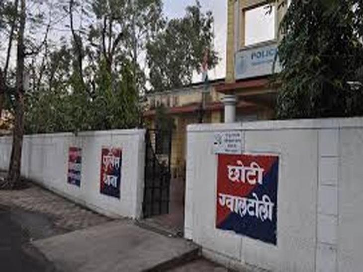 इंदौर में स्टाॅक मार्केट संचालक ने युवती को नौकरी का दिया लालच; शादी का झांसा देकर होटल में किया दुष्कर्म, 10 माह का वेतन नहीं दिया|इंदौर,Indore - Dainik Bhaskar