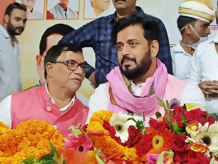 BJP सांसद बोले - विपक्ष की सत्ता में ब्राह्मण की बेटियों के हुए थे धर्मांतरण, 2007 में अपने दिए नारे से पलट रही बसपा|जौनपुर,Jaunpur - Dainik Bhaskar