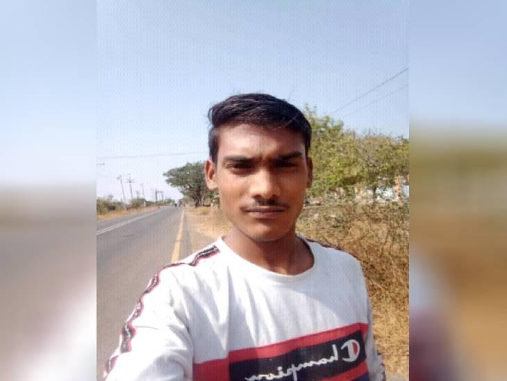 घर से अचानक हो गया था लापता, धान के खेत में पड़ा मिला शव; पेट पर धारदार हथियार से वार करने के निशान सुलतानपुर,Sultanpur - Dainik Bhaskar