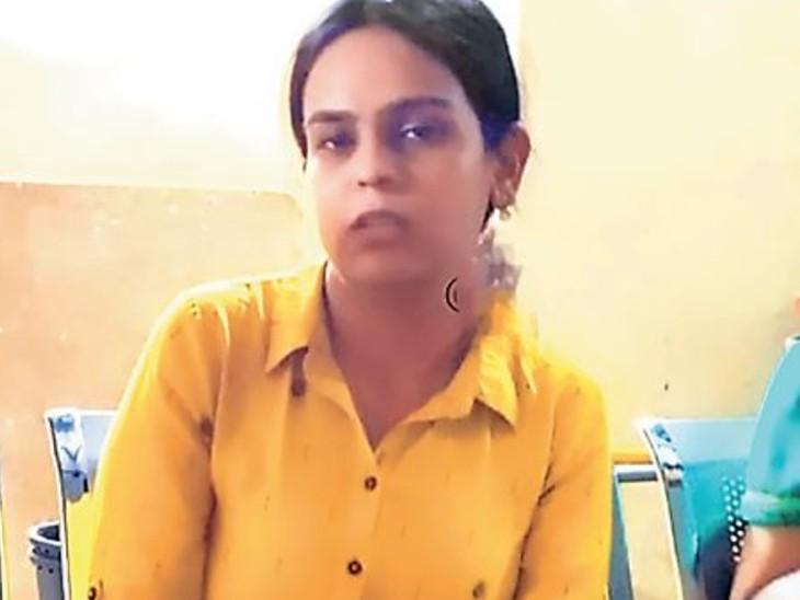 कटनी की मोनिका रांची से गिरफ्तार, खुद को बताती थी जमशेदपुर की असिस्टेंट कलेक्टर; माता-पिता ने पढ़ने के लिए दिल्ली भेजा था|रांची,Ranchi - Dainik Bhaskar