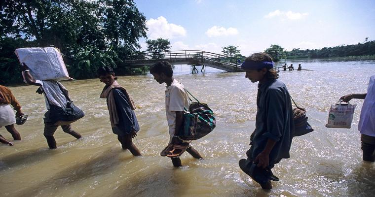 जुलाई के आखिरी हफ्ते में बिहार के कई जिलों में बारिश के चलते बाढ़ आने की आशंका है।