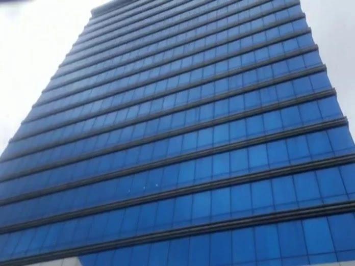 अंधेरी वेस्ट की इस इमारत में राज कुंद्रा का ऑफिस होने की जानकारी मिली है।