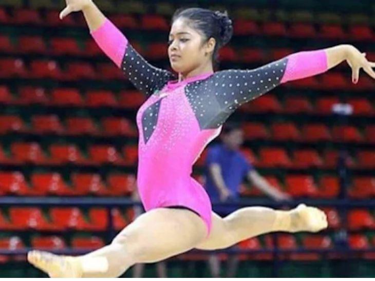भारतीय जिम्नास्ट परिणीति नायक टोक्यो ओलिंपिक में परफॉर्म करती हुईं।