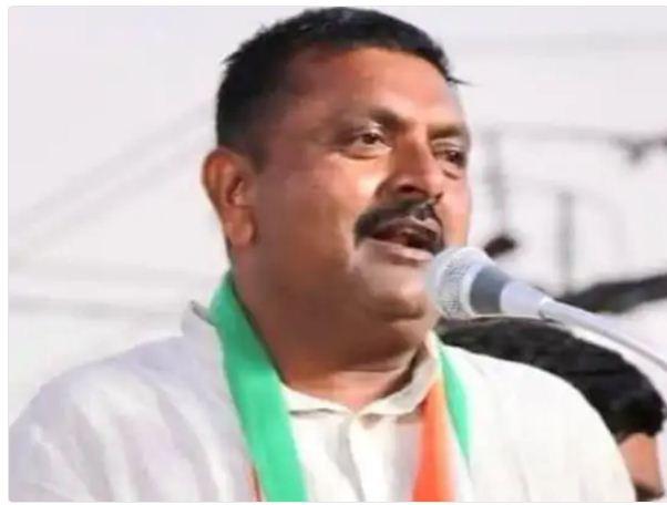 वडोदरा का स्थानीय कांग्रेस नेता किरीट सिंह जाडेजा की फाइल फोटो।