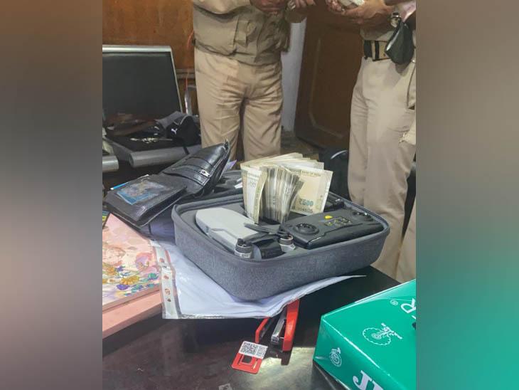 41 हजार की ऑनलाइन ट्रांजेक्शन के अलावा साढ़े 4 लाख रुपए का सामान लेकर हुआ था फरार, जल्द केलांग लेकर आएगी पुलिस|हिमाचल,Himachal - Dainik Bhaskar