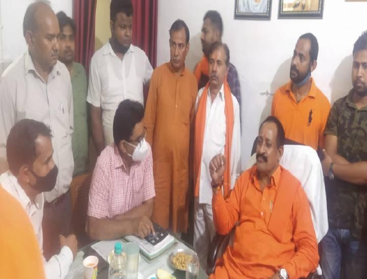 यूपी बीज विकास निगम उपाध्यक्ष राजेश्वर सिंह पहुंचे मेरठ, किसानों से किया संवाद|मेरठ,Meerut - Dainik Bhaskar