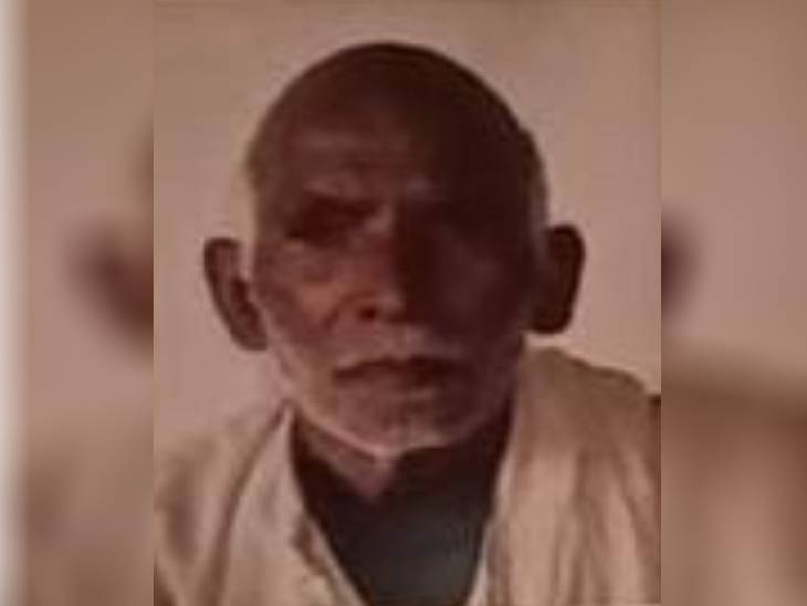 सुल्तानपुर में बुजुर्ग पर गिरा कच्ची दीवार का हिस्सा, मलबे में दबकर हुई मौत। - Dainik Bhaskar