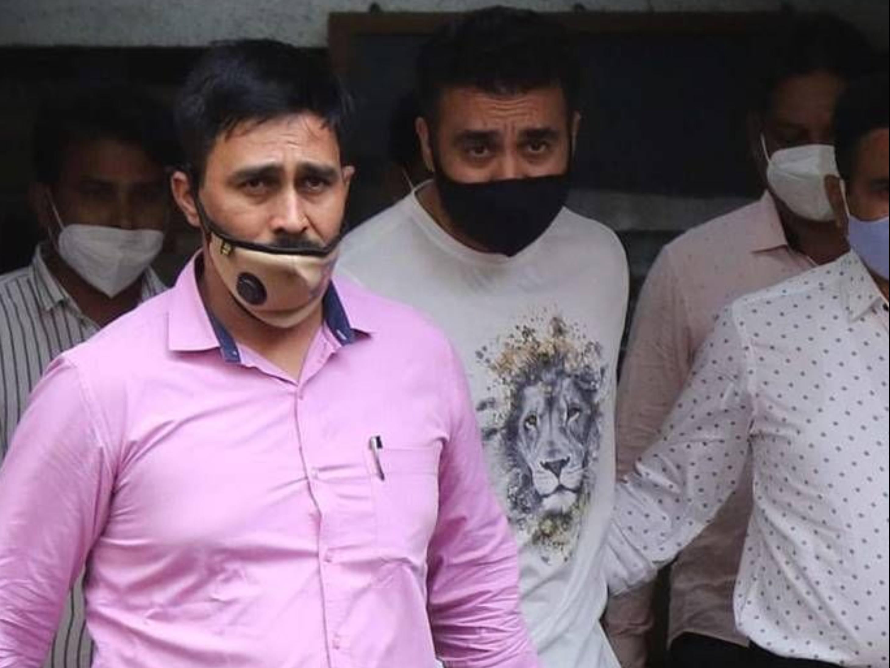 बॉम्बे हाईकोर्ट ने राज कुंद्रा की जमानत पर सुनवाई 29 जुलाई तक टाली, जांच अफसरों को अगली हियरिंग में मौजूद रहने का आदेश|बॉलीवुड,Bollywood - Dainik Bhaskar