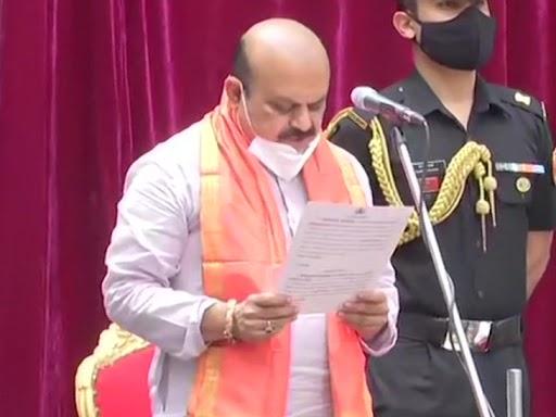 मंगलवार को विधायक दल की बैठक में बसवराज के नाम के प्रस्ताव पर सहमति बनी थी। - Dainik Bhaskar