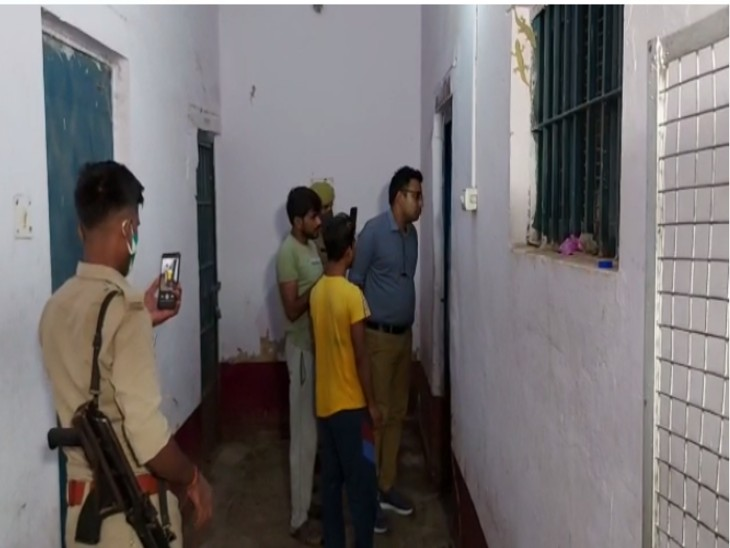 लड़की को बहलाकर भगाने के आरोप में पकड़कर लाई थी पुलिस, लॉकअप में फांसी पर लटका मिला शव|झांसी,Jhansi - Dainik Bhaskar