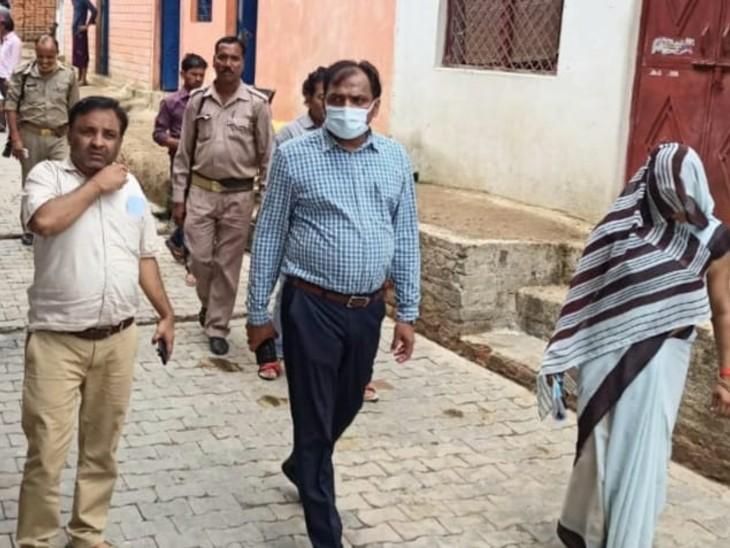किशोरपुरागांव के सभी लोगों ने करवाया टीकाकरण, जिले के 1065 गांवों में 17 पूरी तरह से वैक्सीनेटेड|झांसी,Jhansi - Dainik Bhaskar