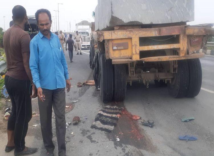 सड़क किनारे बैठकर खाना खा रहे थे, बेकाबू ट्रोले ने कुचला; 2 की मौके पर ही मौत, 6 घायल|राजस्थान,Rajasthan - Dainik Bhaskar