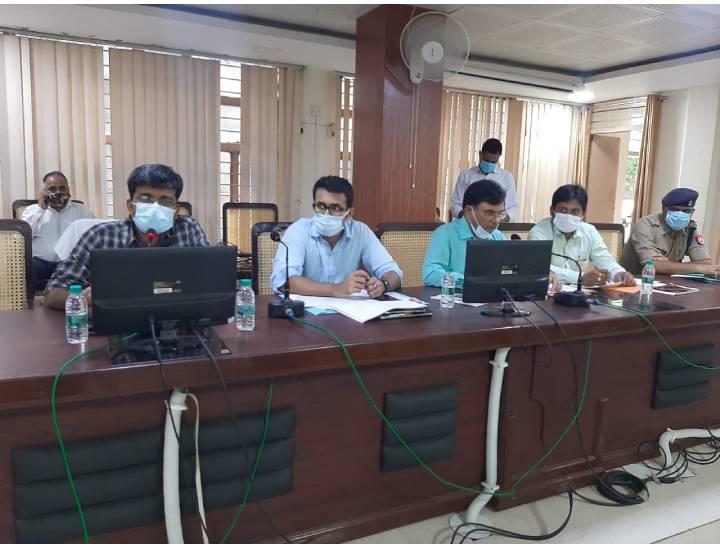 मेरठ में उद्योगबंधु बैठक में उठा औद्योगिक क्षेत्रों के विकास का मुद्दा, सीएम दरबार पहुंचा कताई मिल का मुद्दा|मेरठ,Meerut - Dainik Bhaskar