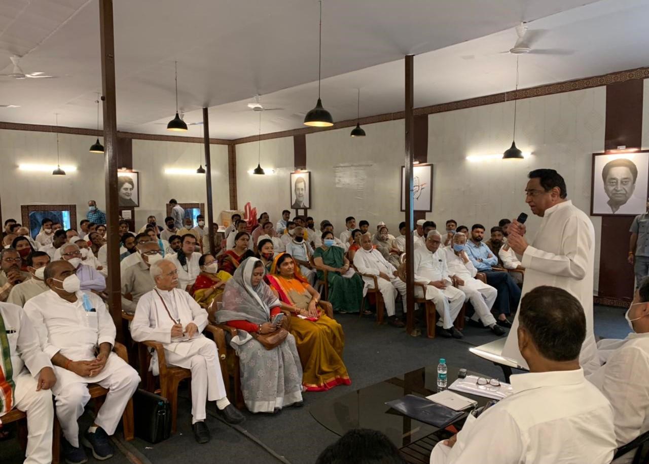 निर्दलीय MLA शेरा ने पत्नी के लिए खंडवा से की दावेदारी; पूर्व केंद्रीय मंत्री भूरिया ने कहा- बेटा विक्रांत जोबट से नहीं लड़ेगा चुनाव, पृथ्वीपुर से नितेंद्र दावेदार|मध्य प्रदेश,Madhya Pradesh - Dainik Bhaskar