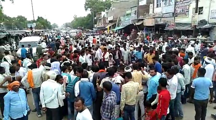 पुलिस मान रही दुर्घटना, आरोपी फरार, मामला कैलारस में मृतक सूरज की हत्या का|मुरैना,Morena - Dainik Bhaskar