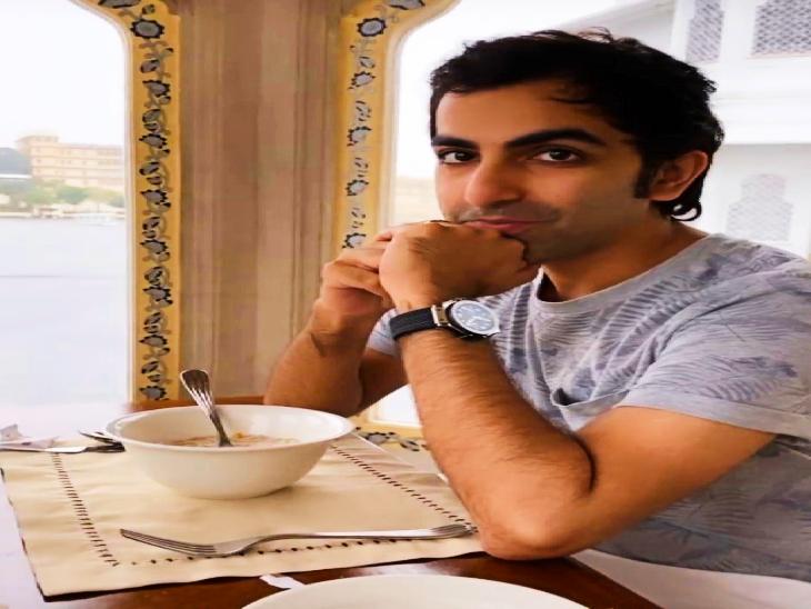 पंकज ने अपना 36वां जन्मदिन उदयपुर के होटल लेक पैलेस में मनाया।