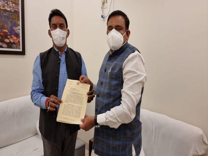 स्मार्ट सिटी मिशन के लिए इंदौर को जल्द मिलेंगे 150 करोड़ रु., डेवलमपेंट के लिए नगरीय विकास मंत्री से मिले मंत्री सिलावट इंदौर,Indore - Dainik Bhaskar
