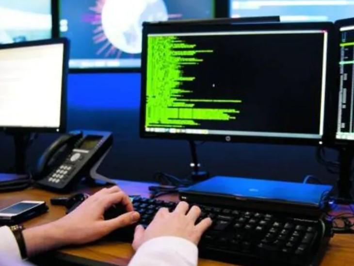 विदेशी नागरिकों को ये वाइस ओवर इंटरनेट प्रोटोकाल (VOIP) के जरिए कॉल करते थे।