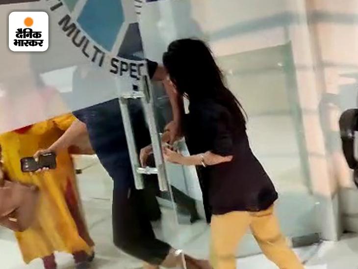 बर्थडे पार्टी में लड़की पर हमला करने वाला सलीम आदतन गुंडा निकला; दोस्त की गर्लफ्रेंड पर टिप्पणी करने पर मारी ब्लेड|भोपाल,Bhopal - Dainik Bhaskar