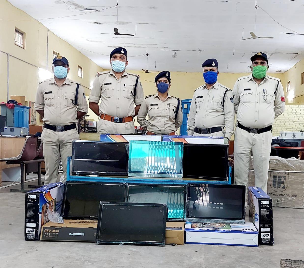 परासिया पुलिस ने मारा छापा 49 हजार की LCD जब्त, दुकानदार पर कॉपी राइट एक्ट का प्रकरण दर्ज छिंदवाड़ा,Chhindwara - Dainik Bhaskar