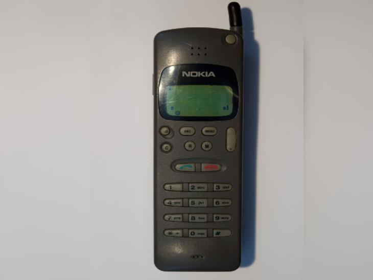 90 के दशक में नोकिया इस तरह के कीपैड फोन बनाने वाले दुनिया की सबसे प्रसिद्ध कंपनी थी।