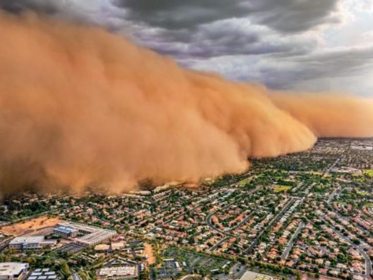 यह तूफान कई शहरों को पार करते हुए फीनिक्स पहुंचा। - Dainik Bhaskar