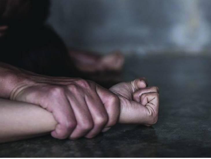 13 साल की भतीजी से चाचा ने किया था रेप, आरोपी पर था पांच हजार रुपए का इनाम|जबलपुर,Jabalpur - Dainik Bhaskar