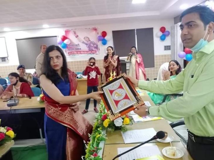 विनीता के आर्ट और उनके काम को लेकर नेशनल लेवल पर उन्हें सम्मानित किया जा चुका है।