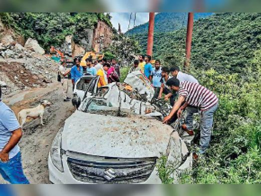 प्रदेश में जुलाई में बारिश ने 15 सालाें का रिकाॅर्ड ताेड़ा, कुल्लू-किन्नाैर में लैंडस्लाइड, 378 सड़कें अब भी बंद|शिमला,Shimla - Dainik Bhaskar