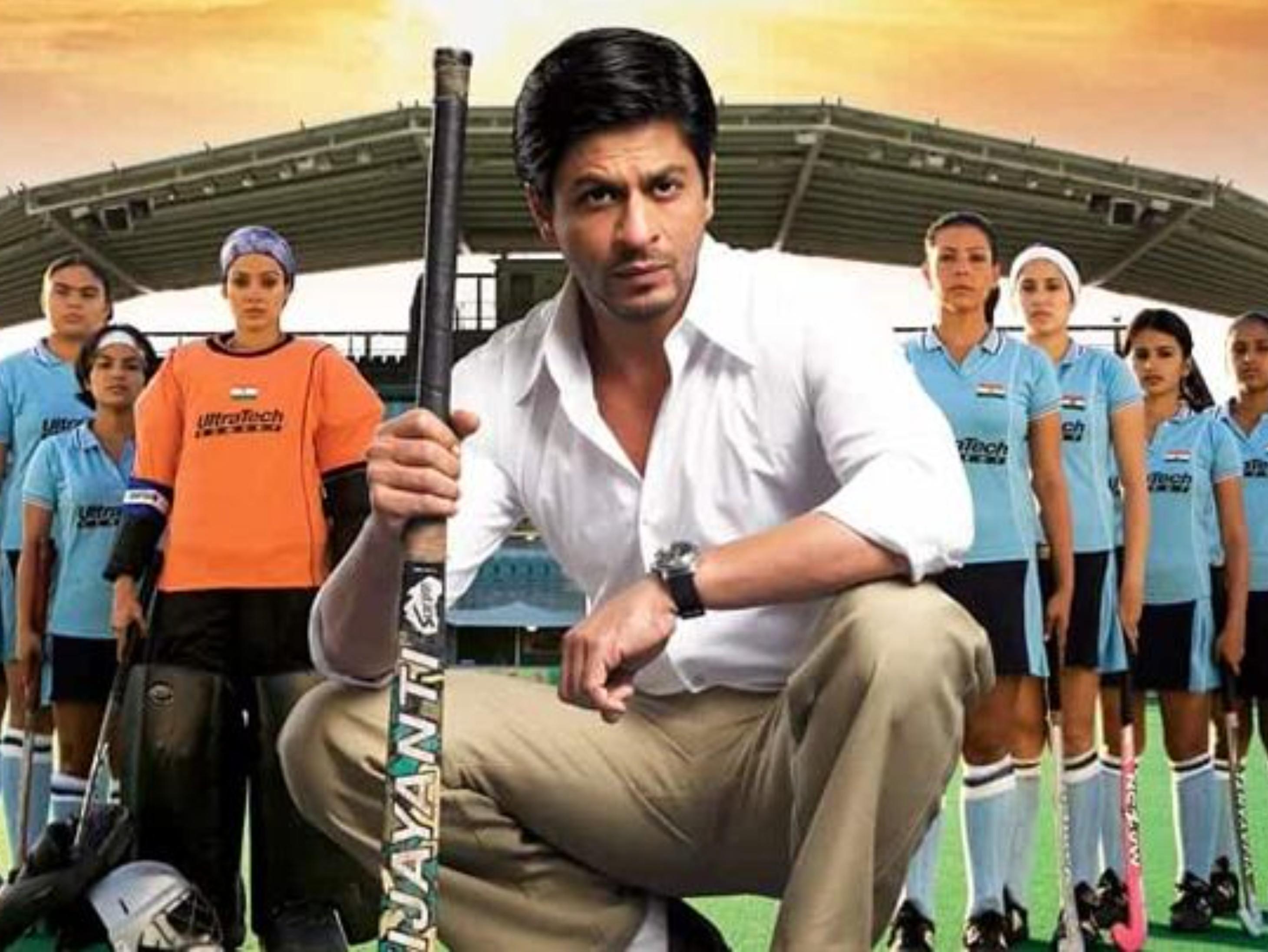 रील और रियल लाइफ कोच कबीर खान के कमेंट्स; सोयर्ड से बोले शाहरुख- वापसी में कुछ गोल्ड लेते आना बॉलीवुड,Bollywood - Dainik Bhaskar