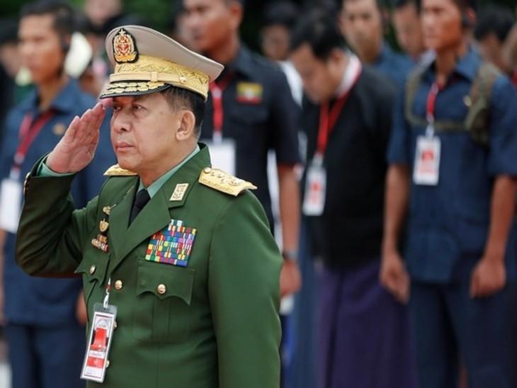 जनरल मिन आंग हलिंग ने स्टेट एडमिनिस्ट्रेटिव काउंसिल (SAC) की अध्यक्षता की, जो तख्तापलट के ठीक बाद बनाई गई थी। - Dainik Bhaskar