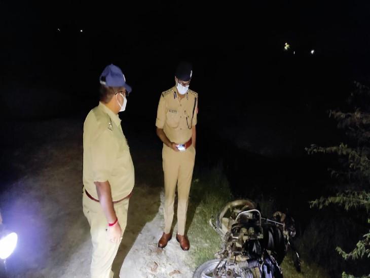 नोएडा में पुलिस को देख बदमाशों ने की फायरिंग, पुलिस की गोली से एक घायल दूसरा फरार; सुल्तानपुर में मुठभेड़ के बाद 25 हजार का इनामी गिरफ्तार|गौतम बुद्ध नगर,Gautambudh Nagar - Dainik Bhaskar