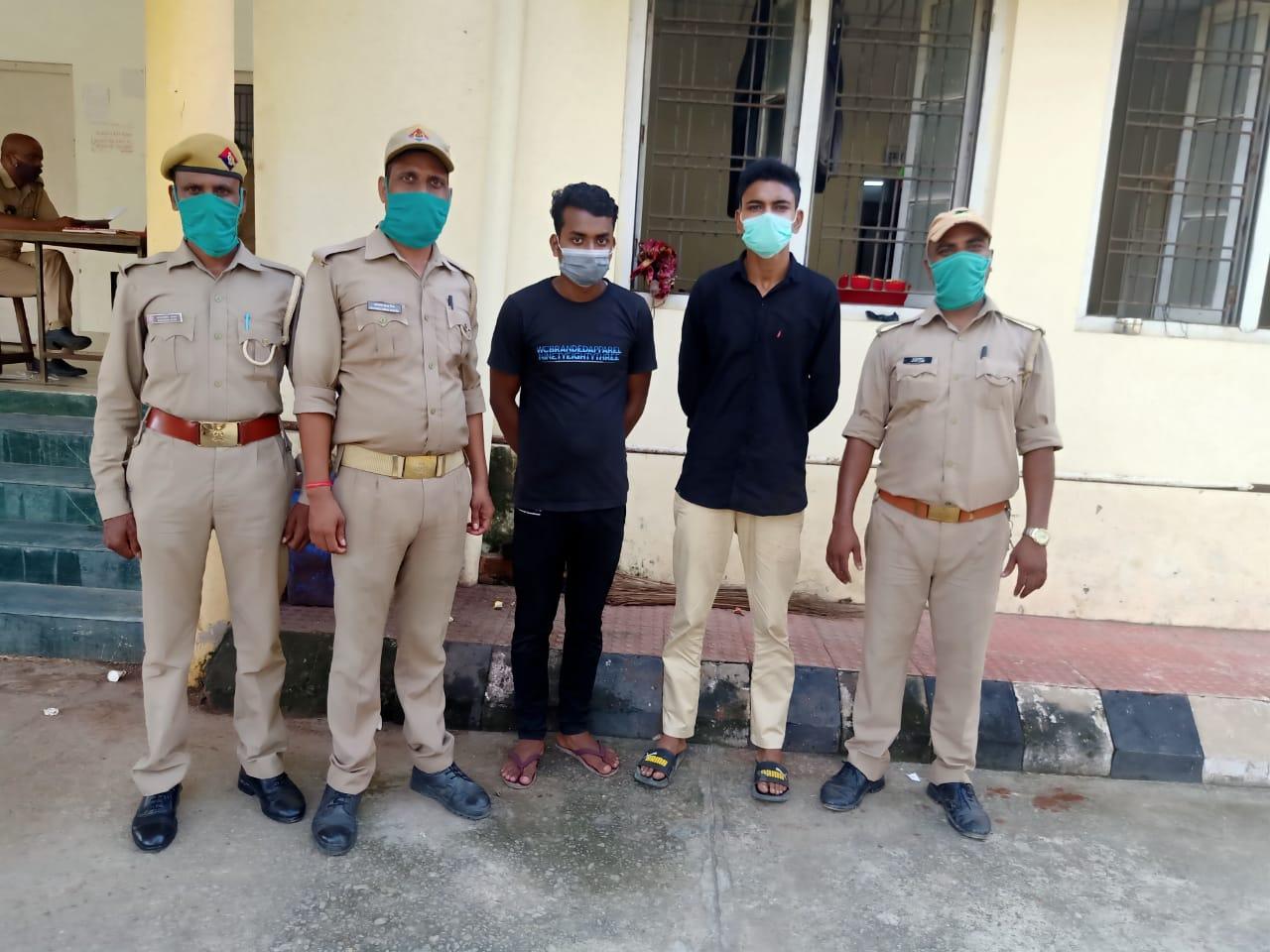 अंगारा रेस्टोरेंट में खाना खाने गए बीआरडी के डॉक्टरों से कर्मचारियों ने की मारपीट, डॉक्टरों ने भी रेस्टोरेंट में किया तोड़फोड़; केस दर्ज|गोरखपुर,Gorakhpur - Dainik Bhaskar