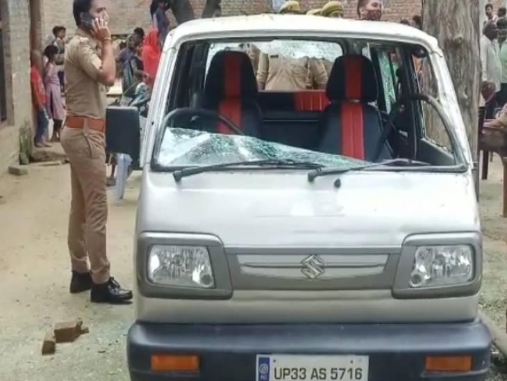 असलहों से लैस दबंगों ने ताबड़तोड़ चलाई गोलियां, तोड़े वाहन; महिला समेत तीन घायल, एक की हालत गंभीर|अमेठी,Amethi - Dainik Bhaskar