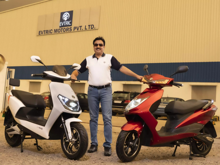 EV Startup EVTRIC Motors launches Axis and Ride Slow Speed Electric Scooters in India; Specifications, Features and Price   पुणे की कंपनी ने एक्सेस और राइड मॉडल लॉन्च किए, इनकी रेंज 75km और टॉप स्पीड 25km/h
