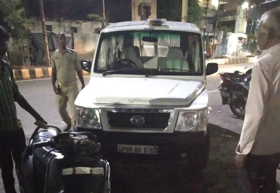 कई वाहनों को मारी टक्कर एक घायल, सीओ बोले ब्रेक हुए थे फेल, सीसीटीवी में अनियंत्रित होकर भिड़ती दिख रही गाड़ी|आगरा,Agra - Dainik Bhaskar