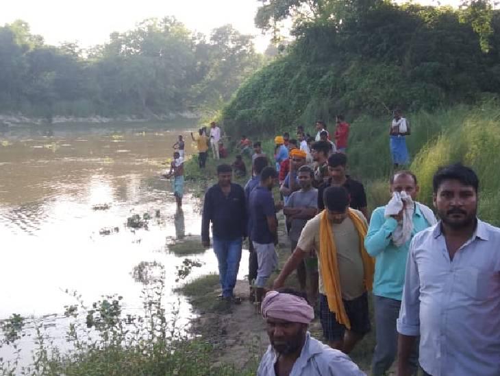 छोटी को बचाने के चक्कर में बड़ी बहन डूबी, पुलिस को सूचना दिए बगैर परिजनों ने किया दाह संस्कार|जौनपुर,Jaunpur - Dainik Bhaskar