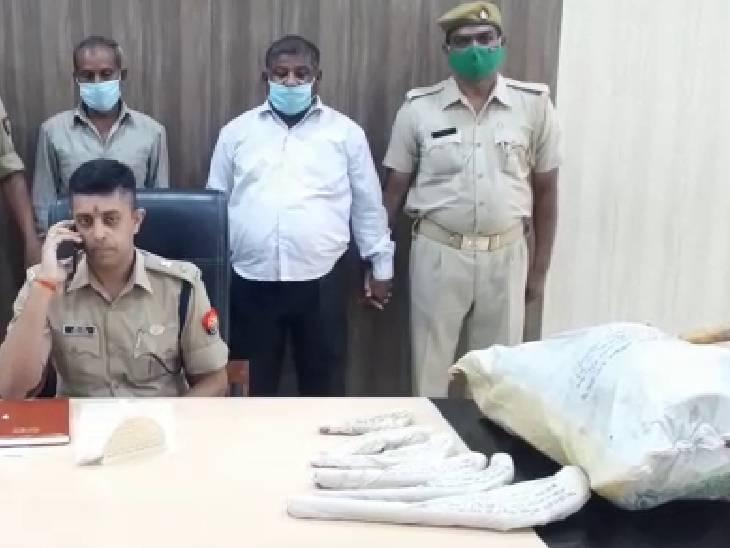 फैक्ट्री चलाने वाले दो अभियुक्त गिरफ्तार; ग्यारह तमंचा, खोखा और कारतूस बरामद|एटा,Etah - Dainik Bhaskar