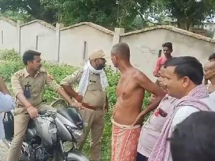 समूह की महिलाओं से कलेक्शन कर लौट रहा था; बाइक सवार तीन बदमाश बैग लेकर भागे, जांच में जुटी पुलिस|सुलतानपुर,Sultanpur - Dainik Bhaskar