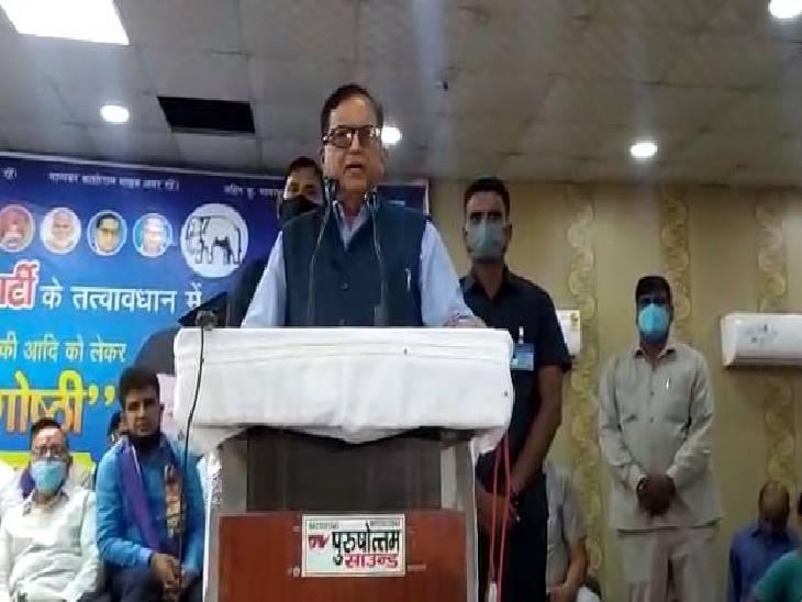 बसपा महासचिव सतीश चंद्र मिश्रा बोले- सनातन धर्म के समाप्त करने कर रही है बीजेपी सरकार, ब्राह्मणों को बनाया जा रहा निशाना|अलीगढ़,Aligarh - Dainik Bhaskar