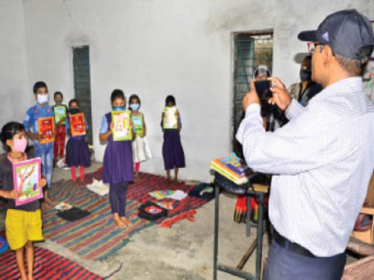 24 स्कूलों में पहले दिन नहीं पहुंचा एक भी बच्चा, बाकी में भी 25% ही आए बिलासपुर,Bilaspur - Dainik Bhaskar
