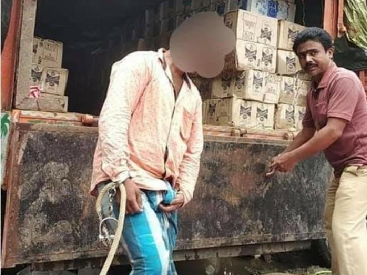 पूर्णिया में एक ही ट्रक में लगा हुआ था अलग-अलग नंबर, तलाशी के दौरान ट्रक से 1,863 लीटर अवैध विदेशी शराब बरामद बिहार,Bihar - Dainik Bhaskar