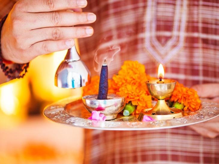 इस महीने के हर मंगलवार को देवी दुर्गा, पार्वती और हनुमानजी की भी विशेष पूजा की परंपरा है|धर्म,Dharm - Dainik Bhaskar
