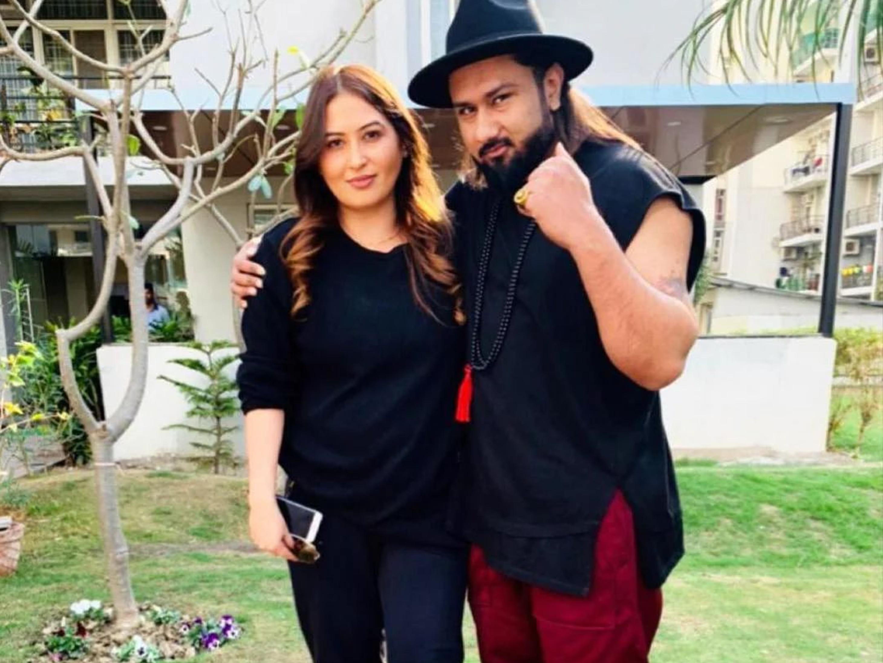शादी के 10 साल बाद पत्नी शालिनी तलवार ने खोली जुबान, हनी सिंह पर मारपीट और मानसिक प्रताड़ना का मामला दर्ज|बॉलीवुड,Bollywood - Dainik Bhaskar