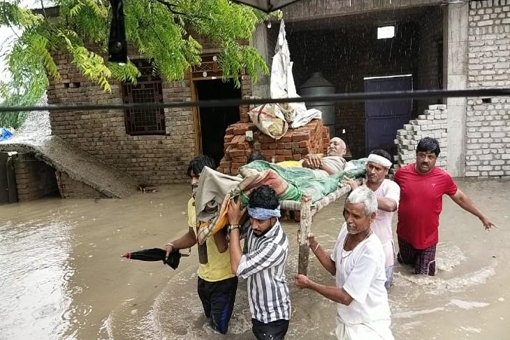 78 हजार क्यूसेक पानी की निकासी, कालीसिंध के 4 गेट से 16 हजार क्यूसेक पानी डिस्चार्ज, बारां के शाहबाद क्षेत्र के 1850 लोगों को सुरक्षित स्थानों पर रखा|कोटा,Kota - Dainik Bhaskar