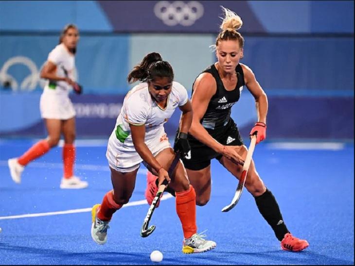 सेमीफाइनल मैच में भारतीय और अर्जेंटीना टीम की खिलाड़ी।