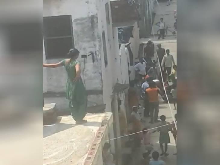 पड़ोसियों ने घर में घुसकर मारा, अब न्याय के लिए दर-दर भटक रही है पीड़िता मुरादाबाद,Moradabad - Dainik Bhaskar