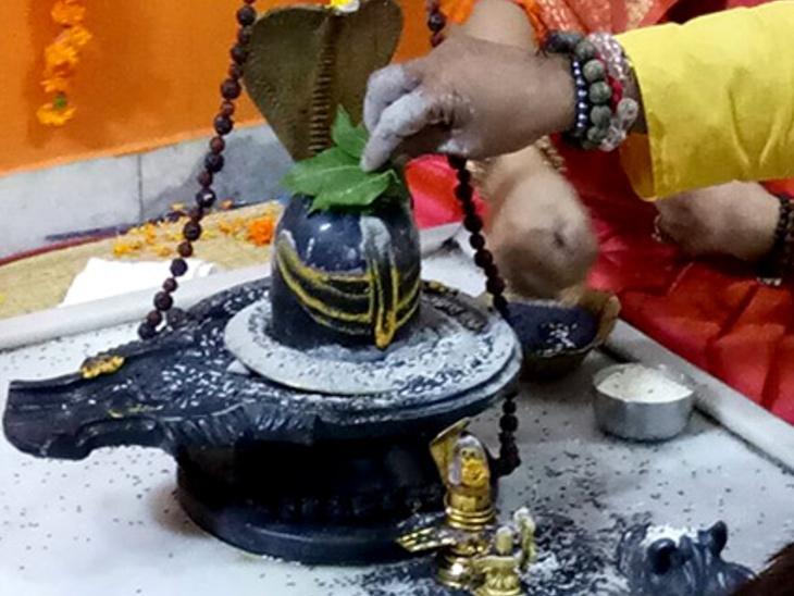 इस पर्व पर रातभर में 4 बार होती है शिवलिंग की विशेष पूजा और अभिषेक|धर्म,Dharm - Dainik Bhaskar