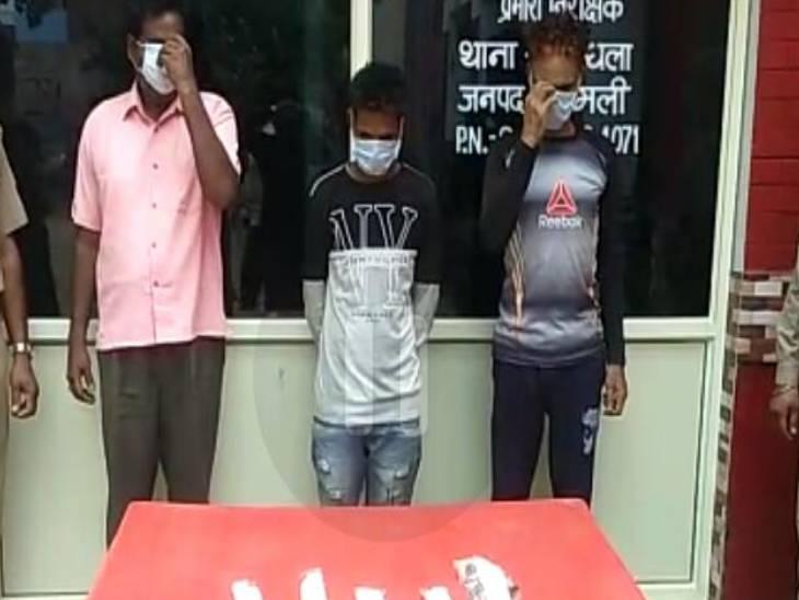 चेकिंग के दौरान पुलिस और बदमाशों के बीच मुठभेड़, कई राउंड चलीं गोलियां, 3 बदमाशों को घेरकर पकड़ा|मेरठ,Meerut - Dainik Bhaskar