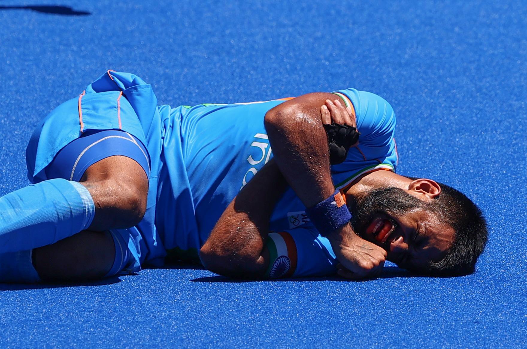 जर्मनी के खिलाफ मैच के दौरान मनप्रीत चोटिल हो गए थे।